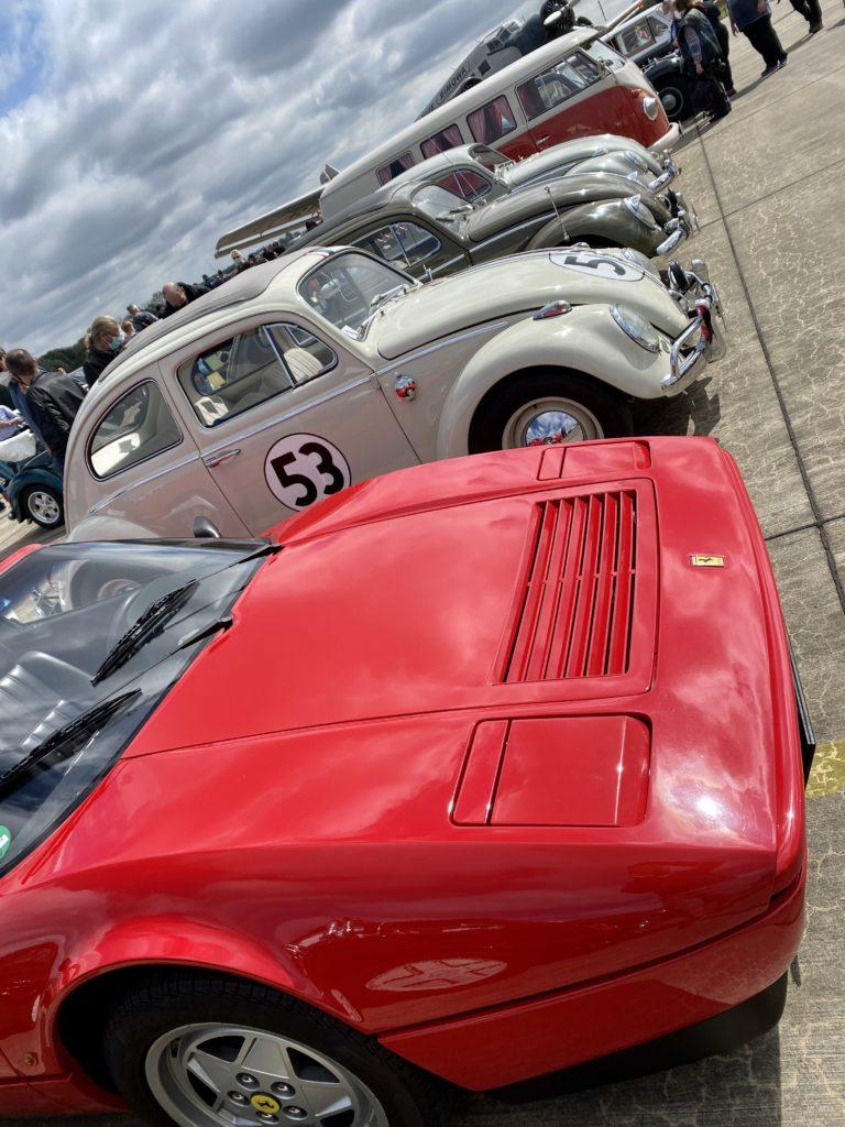 Ferrari, Käfer und Bulli